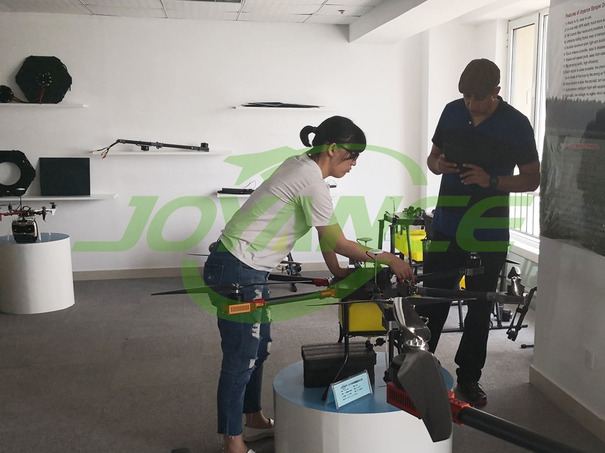 Latin American customers come to Joyance Tech to get operation training