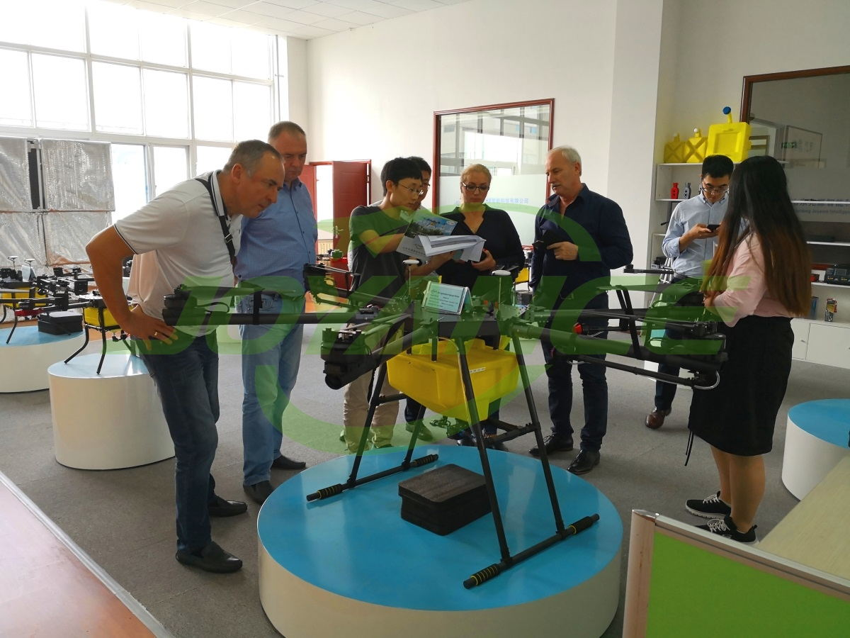 Ukrainian customers visit Joyance Tech and negotiate cooperation