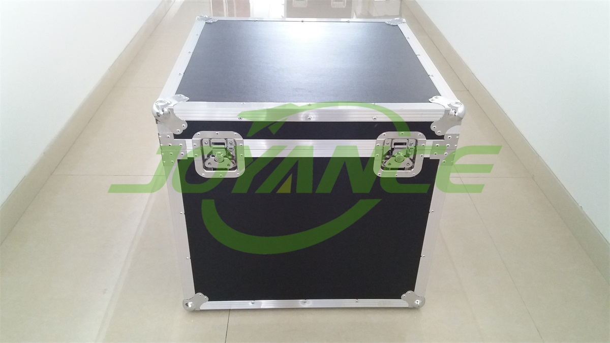 aluminum case to transport